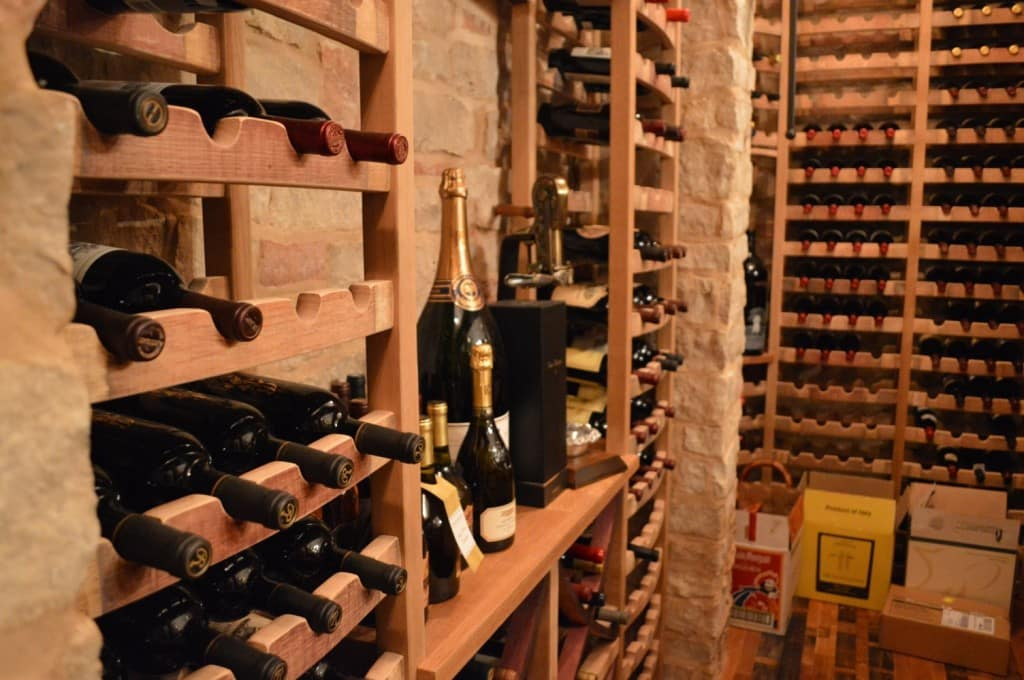 Main Features - Florida Naples Wine Cellar