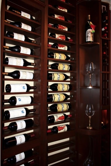Quarter Round Display Wine Rack