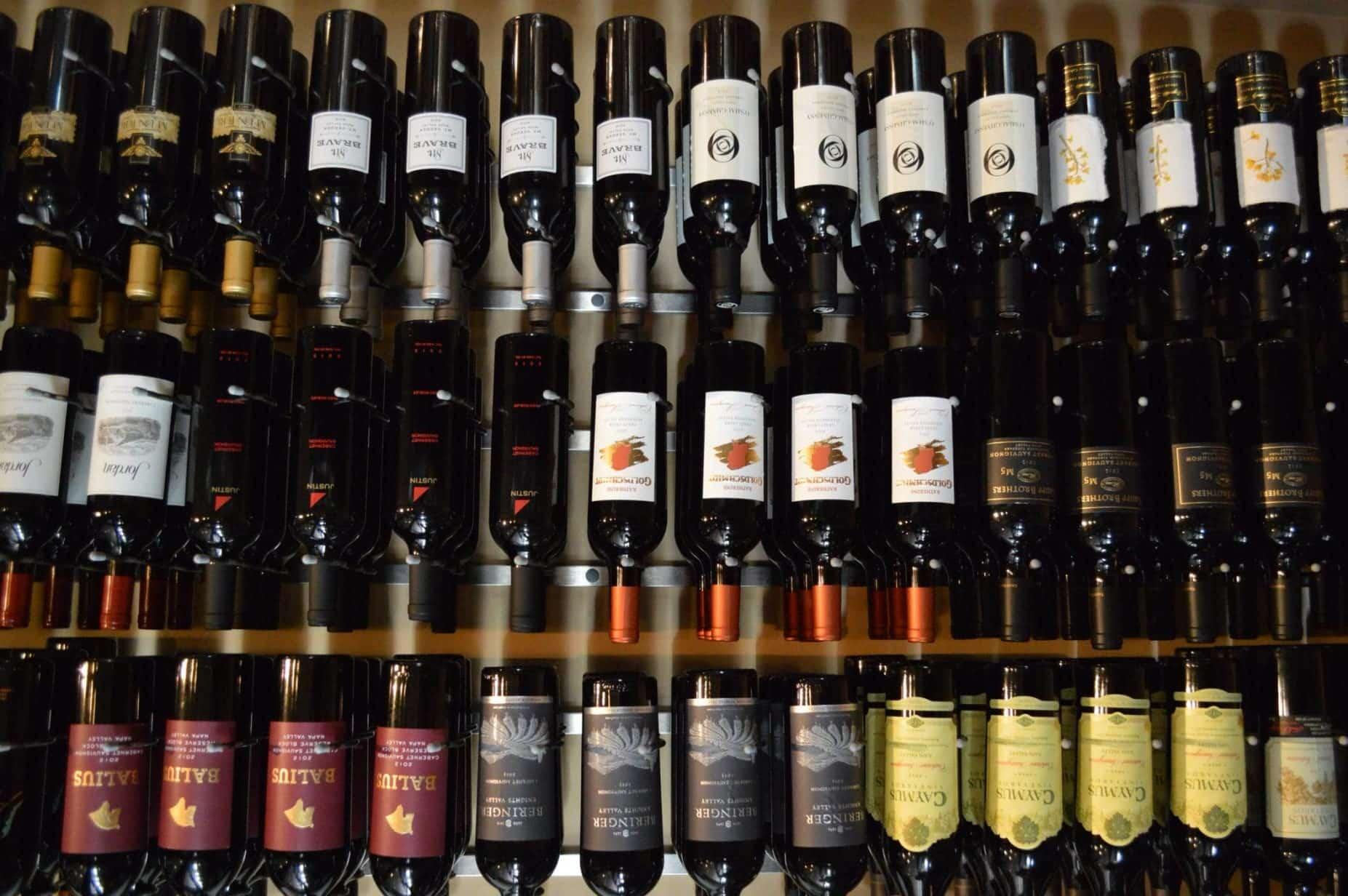 Label Forward Bottle Orientation VintageView Wine Racks